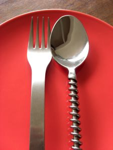 912439_cutlery_on_a_plate_
